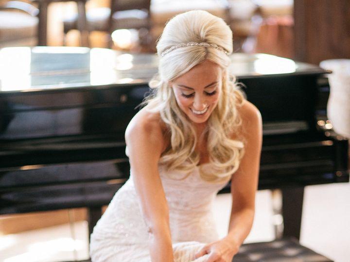 Tmx 1523380604 2350bbf8bbd177d6 1523380602 542be8624f9e9ead 1523380598325 2 GETTING READY BRID Avon, CO wedding venue