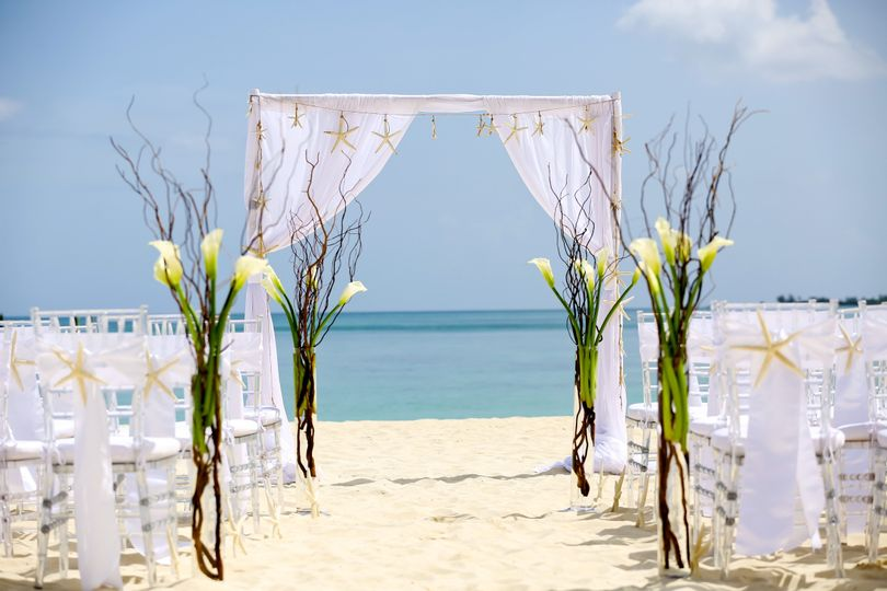Melia nassau beach venue nassau weddingwire 800x800 1419262989429 tp upgrade close up junglespirit Gallery
