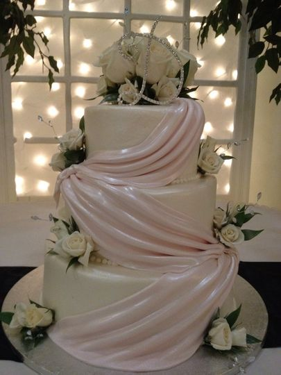 Cloth textured cake