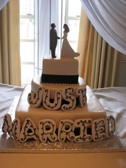 Just married text on cake