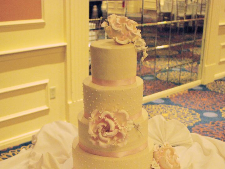 Tmx 1515023762561 Img7099 Lynn, Massachusetts wedding cake