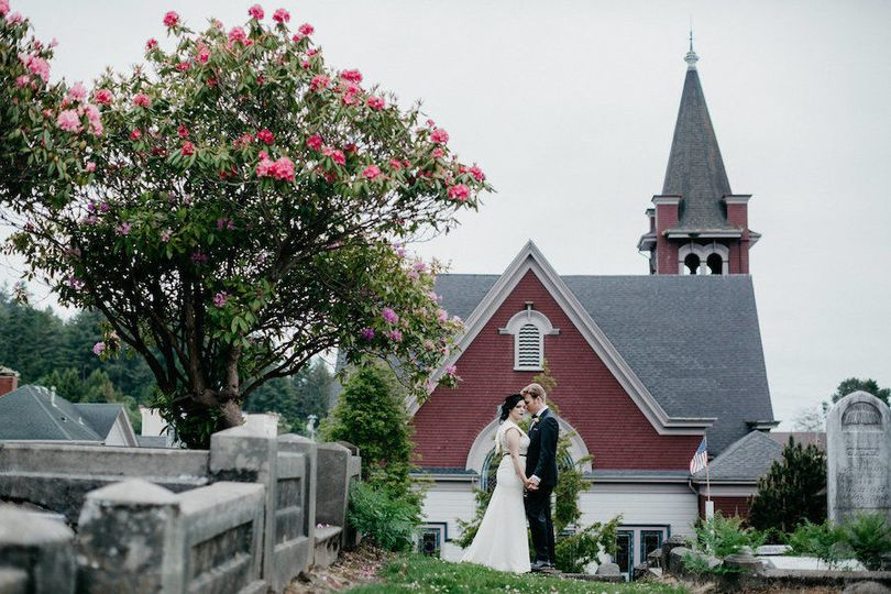 20f6be501a4b4048 Vintage Wedding at The Old Steeple in Historic Ferndale Fern