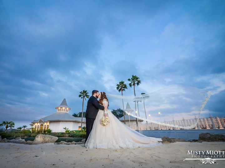 Tmx 1531538429 9e6b00ad4244aee4 1531538427 De861b46d53d0659 1531538422280 21 Disney Wedding Pa Orlando, FL wedding photography