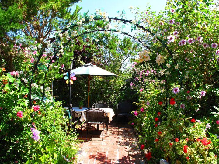 73ce5fb5999927d8 hidden garden