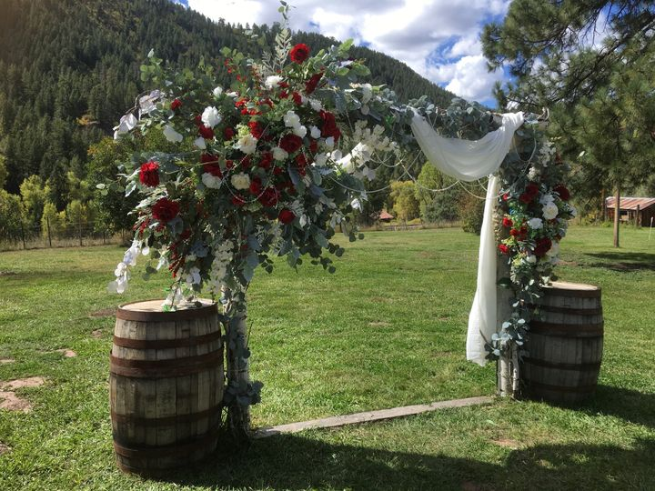 Aspen archway at Mountain View