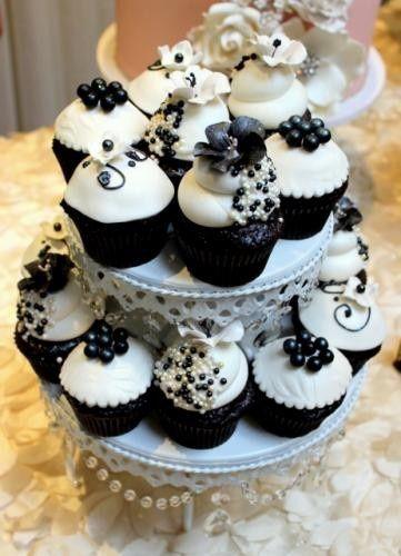 Tmx 1367388445082 Blackandwhitecupcakes2462x640 Fresno, CA wedding cake