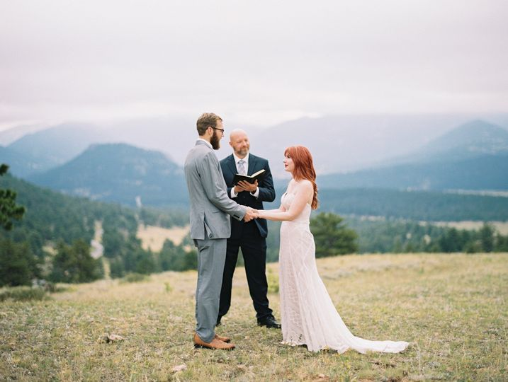 Colorado elopements are amazing. Photo by Winsome and Wright Photography.