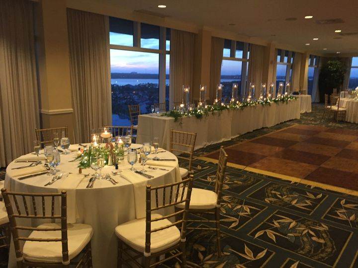 Reception table and head table