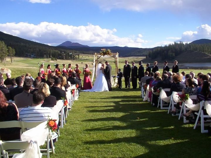 Living in Colorado, mountain weddings are some of the most beautiful!