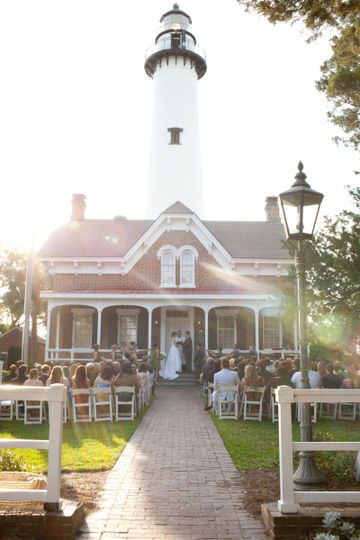 St Simons Lighthouse is the perfect backdrop for your beach wedding ceremony.