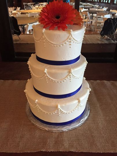 Royal blue lining cake