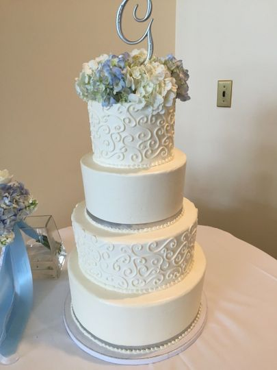 Intricate 3-tier wedding cake