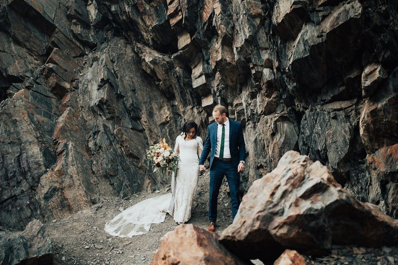LaRen + Tyson mountain engagements. Photos by Chamblee Lenette Photography.