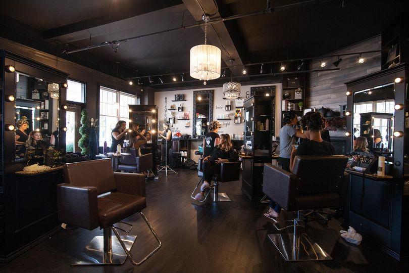 Edgy beauty salon