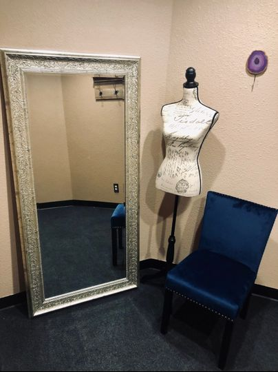 Dressing Room, Bridal Suite