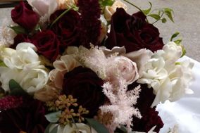 Floral Designs By Roni