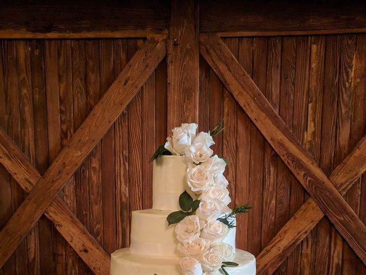 Tmx 1517698869 F054c70499030cb7 1517698868 85dbae7b5dc095bf 1517698867871 38 Wedding Cake Savannah wedding catering