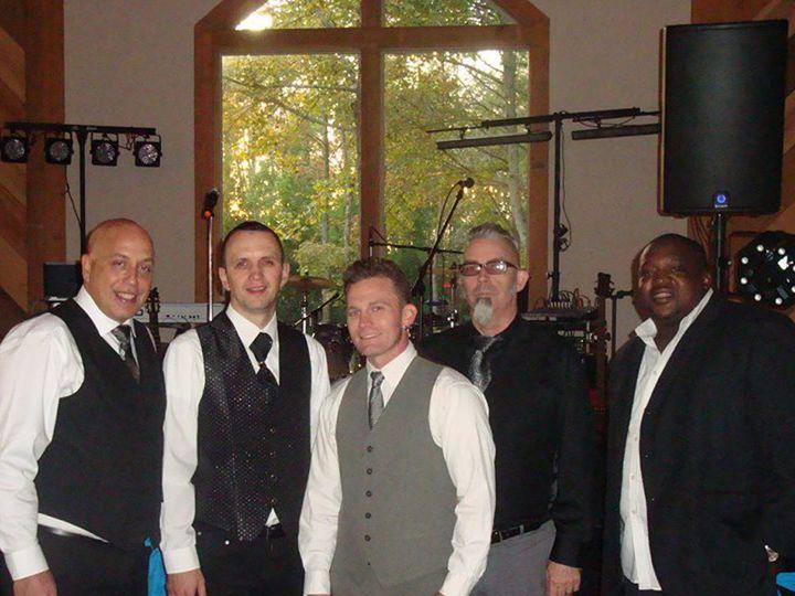 Tmx 1456967132572 Swivelhip 950x950 Raleigh wedding band
