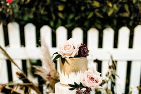 Claras Custom Cakes