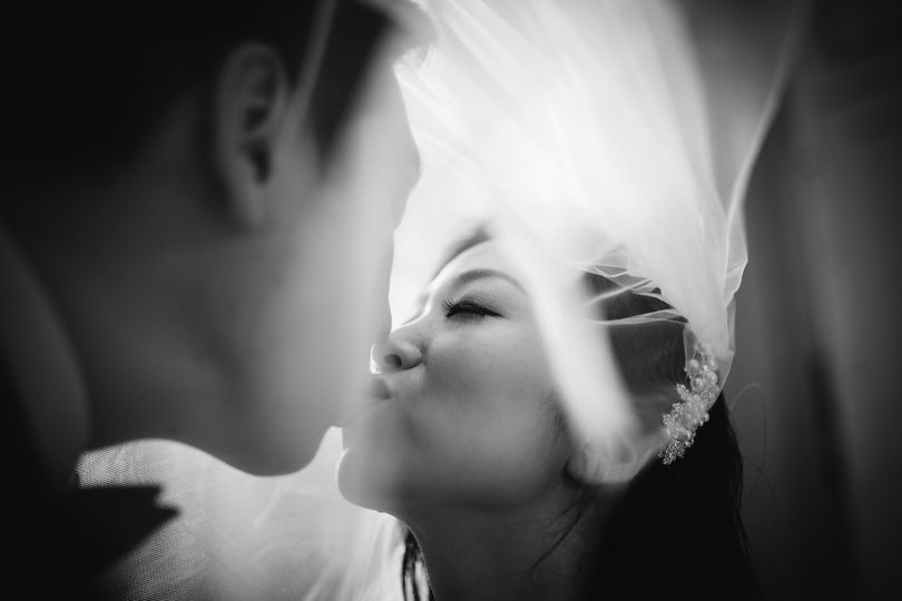the mayflower washington dc wedding viel kiss portrait akbar sayed photography 51 377326 158689815960225