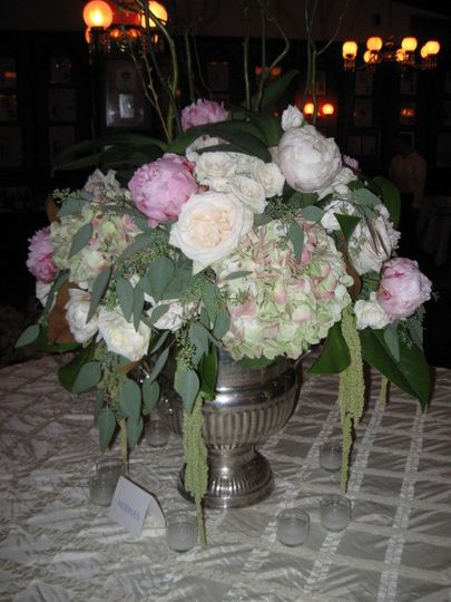 Large vase and centerpiece