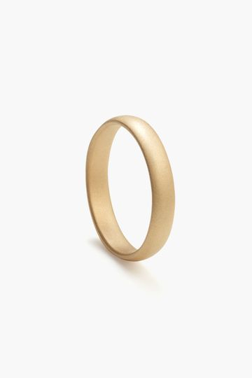 4mm, Classic Round in yellow gold in a matte finish