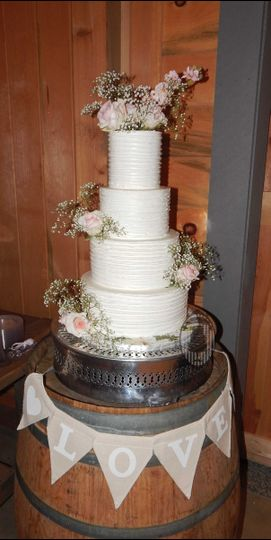 winter buttercream wedding