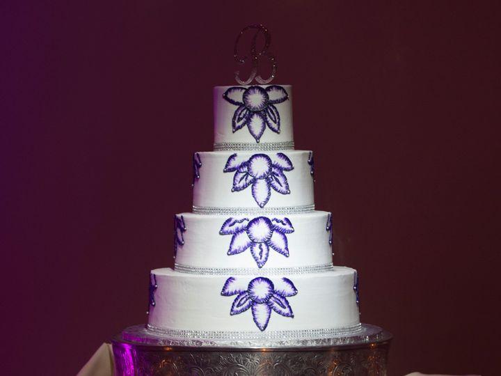 Tmx Purple Painted Flowers 51 20426 Newark, Delaware wedding cake