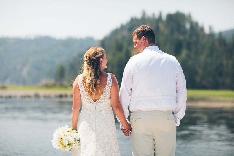 Lake Coeur d'Alene wedding reception