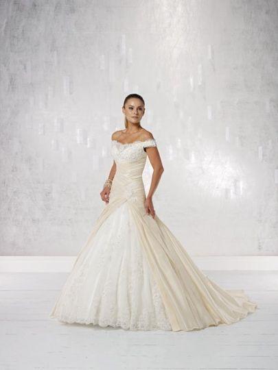 Kathy Ireland 231210 Wedding Dress