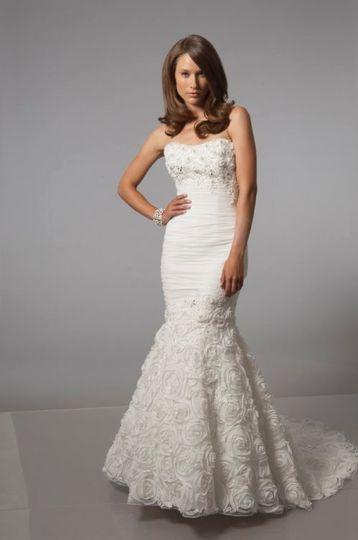 Alfred Sung 6876 Wedding Dress
