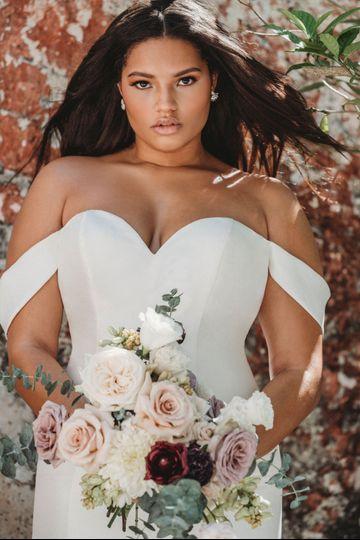 Tube type wedding gown