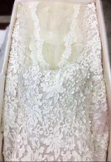 wedding gown pres