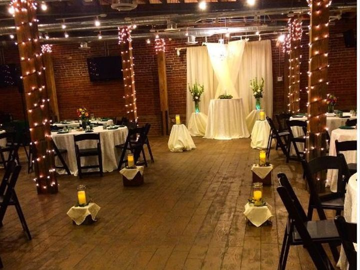 Tmx 1516914069 69ebba30263e036d 1516914067 71a27b92b1f02f8f 1516914072955 3 BRCabaretAdrienne Noblesville, IN wedding venue
