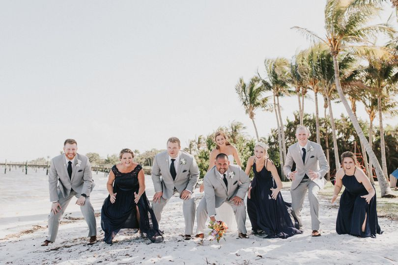 Fun with the whole Bridal Party! Photo Credit: Danielle Love Photography