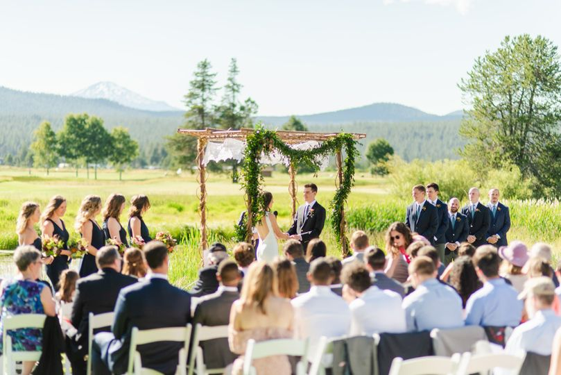 Mount Bachelor Lawn Ceremony