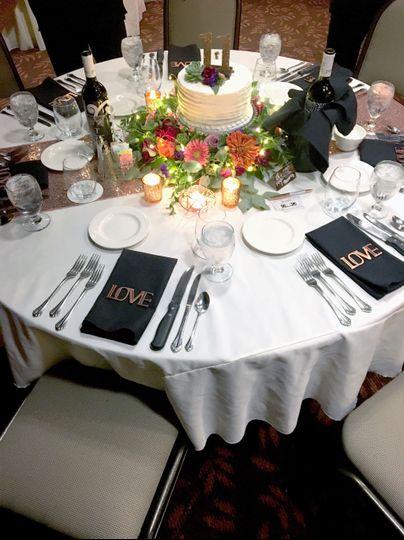 wedding table example 3 002 51 528426 1572440910