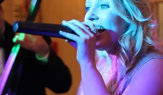 Vocals | Photo: Sabrina Roth