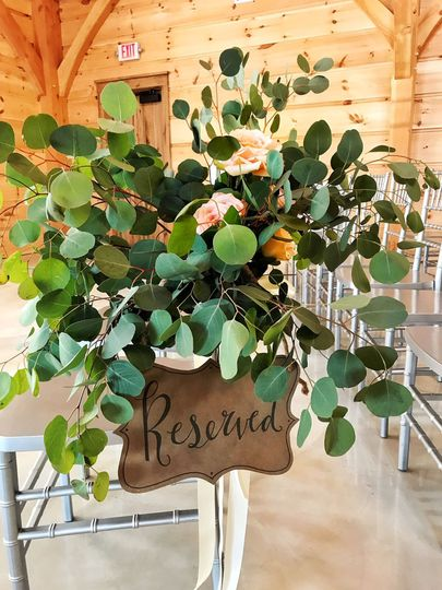 Rustic, romantic aisle decoration