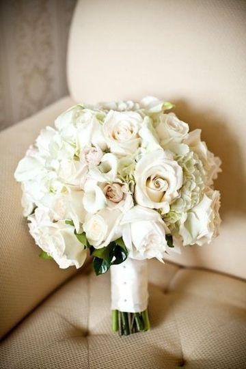 Lush white bouquet