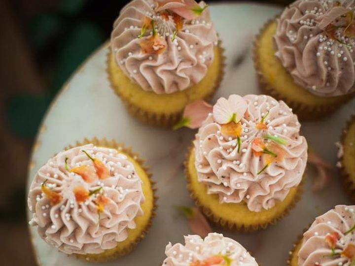 Tmx 19399659 1918101155144863 5780091310559242607 N 51 785526 1565980383 Redmond, WA wedding cake