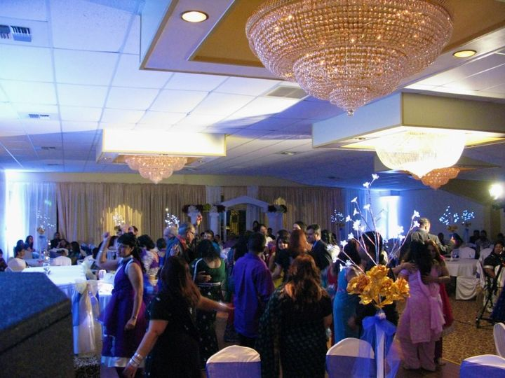 Pooja indian grill venue west sacramento ca weddingwire for 701 salon sacramento
