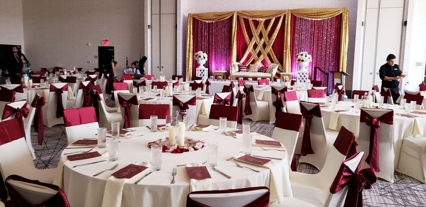 Table setting and maroon decor