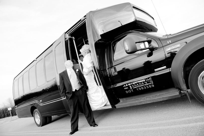 F550 24-26 passenger limo bus offers all the glitz and luxury of a traditional limousine. Limousine...