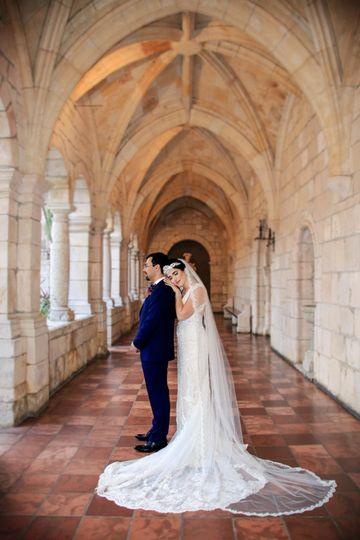 Elegant bride and groom - Simonet Makeup