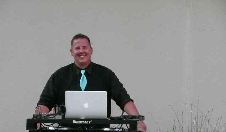 Cuttin The Rug DJ