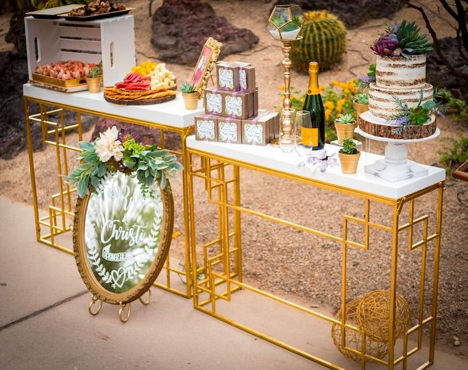 Intimate wedding table arrangement