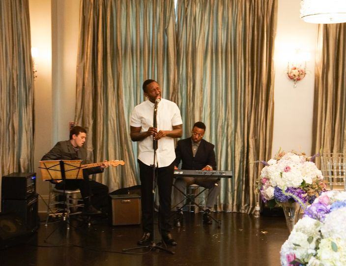 Shaun Lamont- Singer