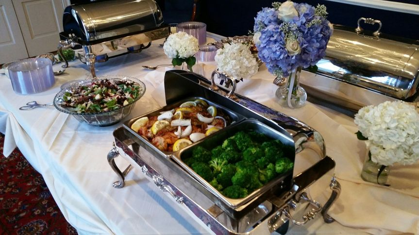800x800 1451399206527 manor house buffet with brides maids bouquets