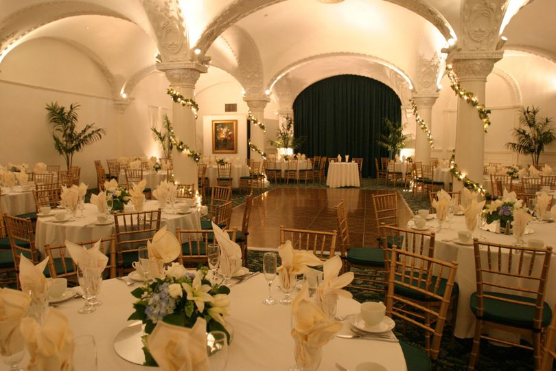 The romanesque room castle catering reviews ratings for Castle wedding venues california
